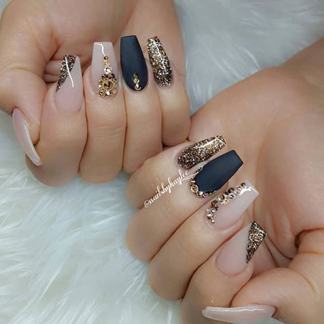 Absolutely loved those jewels on nails by @nailsbykaylee_! Now you ...