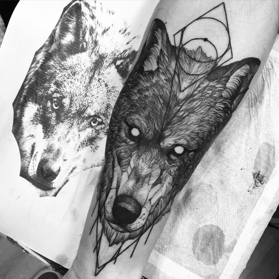 wolf by fredao oliveira lobos pinterest lobos y tatuajes. Black Bedroom Furniture Sets. Home Design Ideas