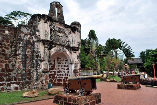 St Paul S Hill A Famosa Tempat Bersejarah Di Melaka Malaysia Travel Melaka Travel