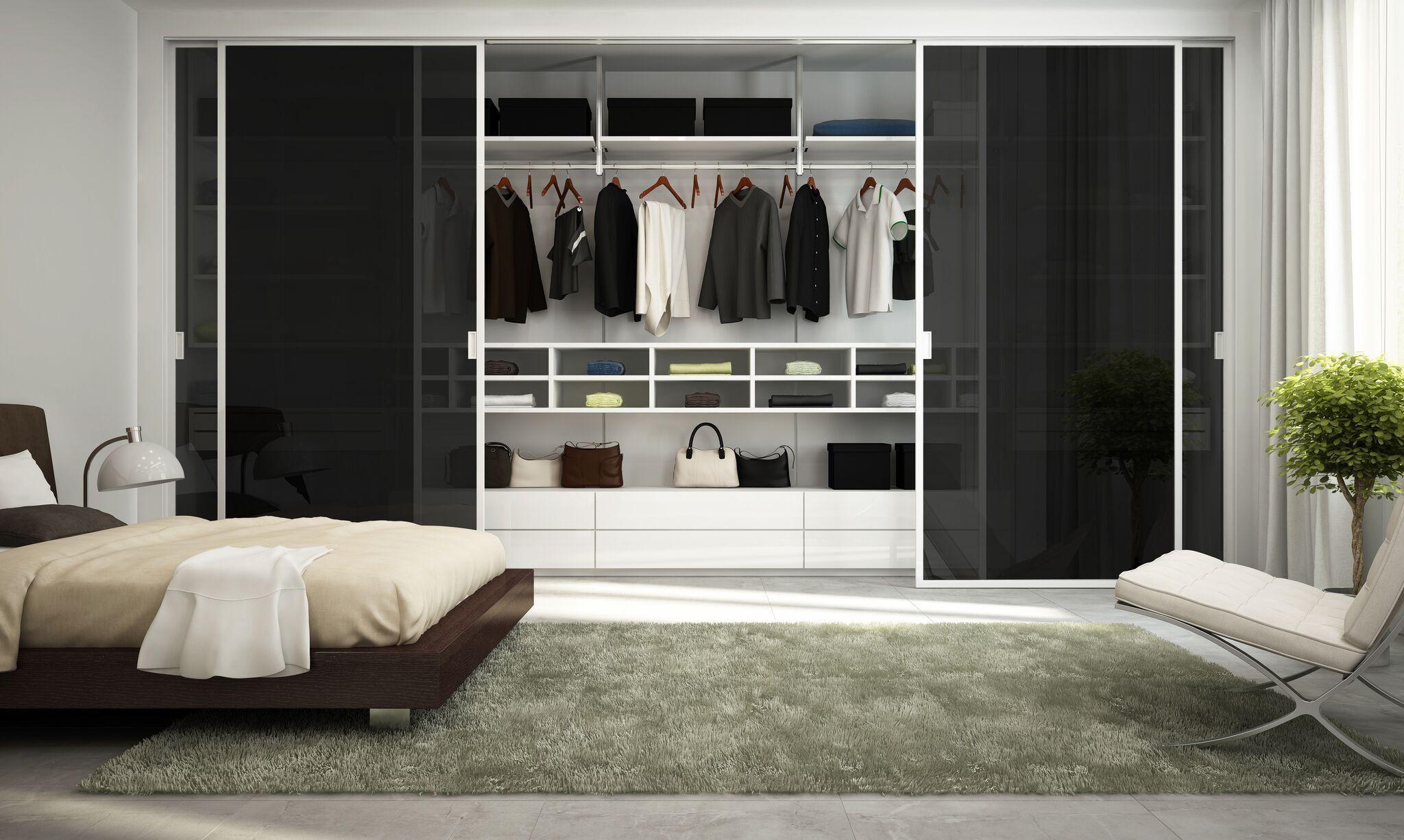Egal Ob Glasturen Glastreppen Oder Glasmobel Elemente Aus Glas Verschaffen Ihrem Zuhause Einen Strahlend Minimalistischer Raum Home Interior Inneneinrichtung