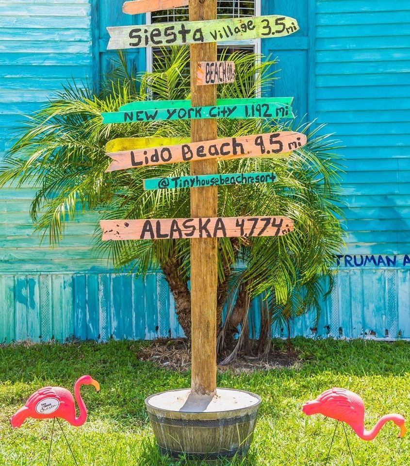 Garden Yard Stakes For Beach Lovers In 2020 Tiny House Vacation Tiny House Village Nautical Outdoor Decor