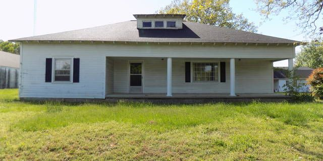 GREAT FOR INVESTORS! THIS PROPERTY IS LISTED WELL BELOW