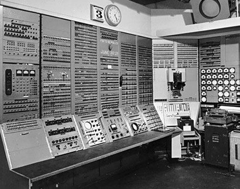 20 Rare Historical Photos Richestnetworths How To Memorize Things Computer History Invention Of Science