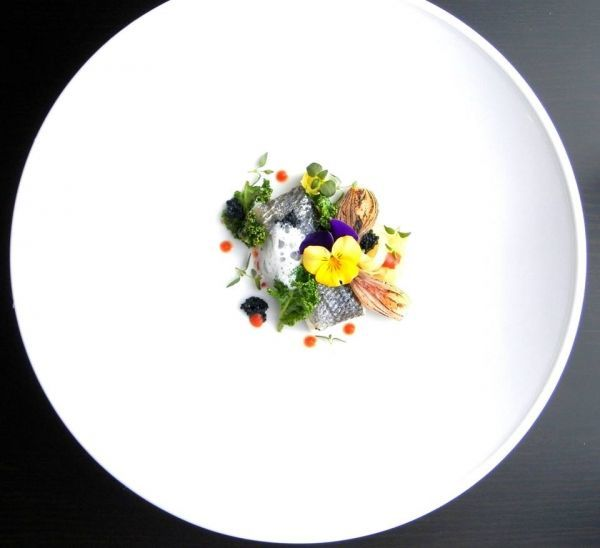 Sea bass / sauce with roasted tomato and lime / kale / caviar / caramelized shallot / leek - The ChefsTalk Project