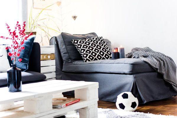 Grau ist das neue Weiß - ein kleiner Blick in unser Wohnzimmer | living room  by http://titatoni.blogspot.de/