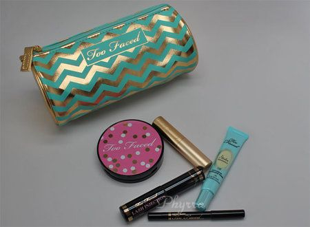 Too Faced All I Want for Christmas Review #christmas #makeup #shopping #beautybuys #review #beautyproducts - bellashoot.com