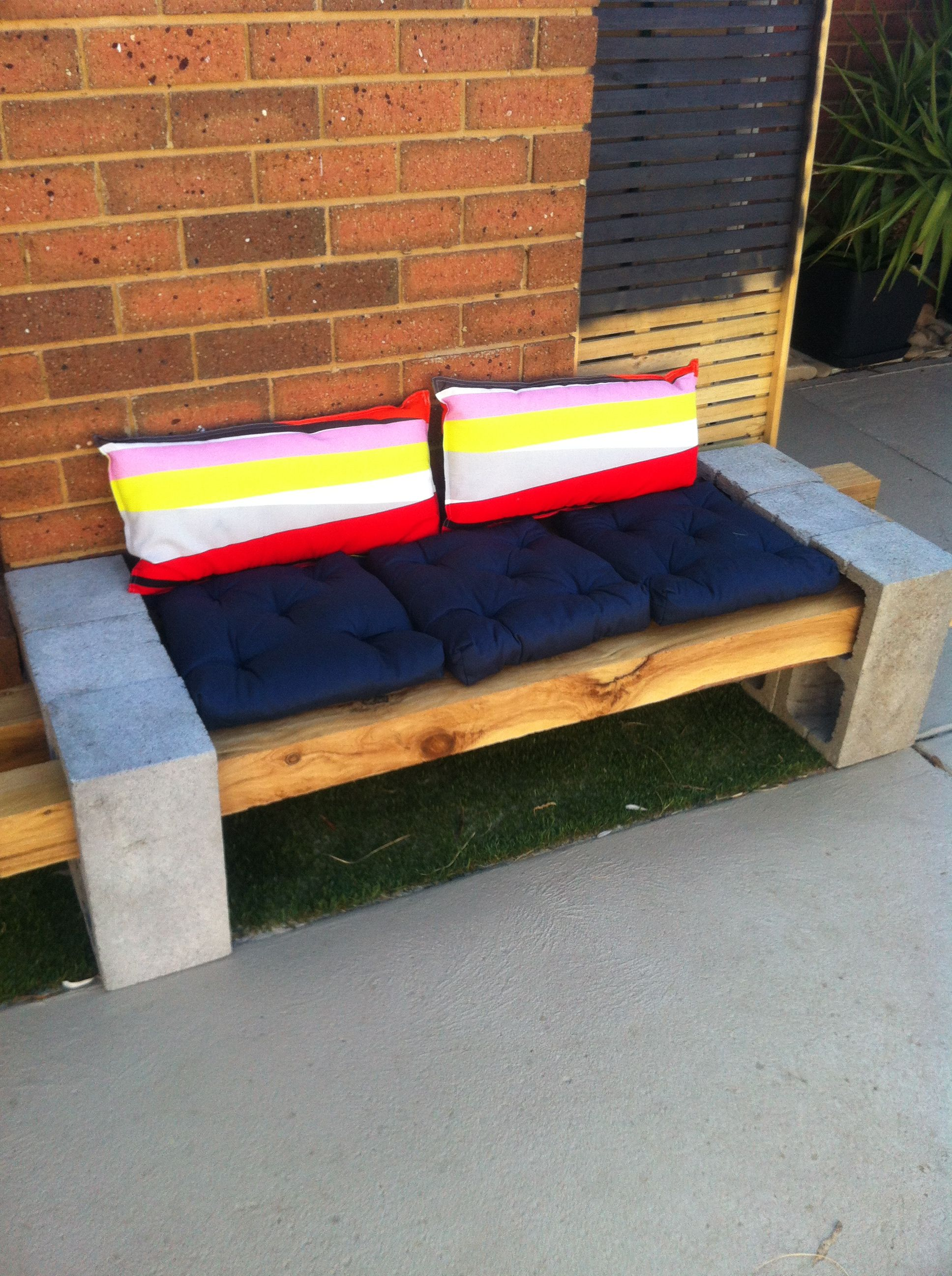 Besser Block Bench Seat Good Way To Dog Proof A Garden Bed