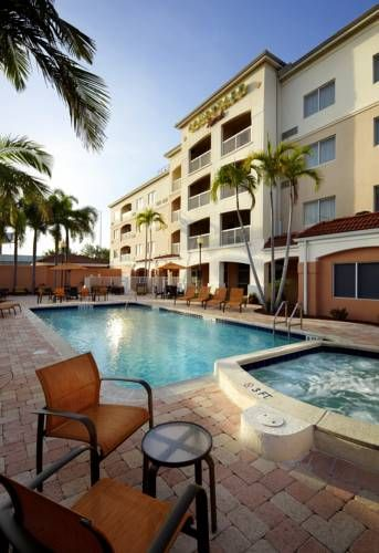Courtyard West Palm Beach Airport Florida This Marriott Hotel Provides Free Shuttle Service To From International And