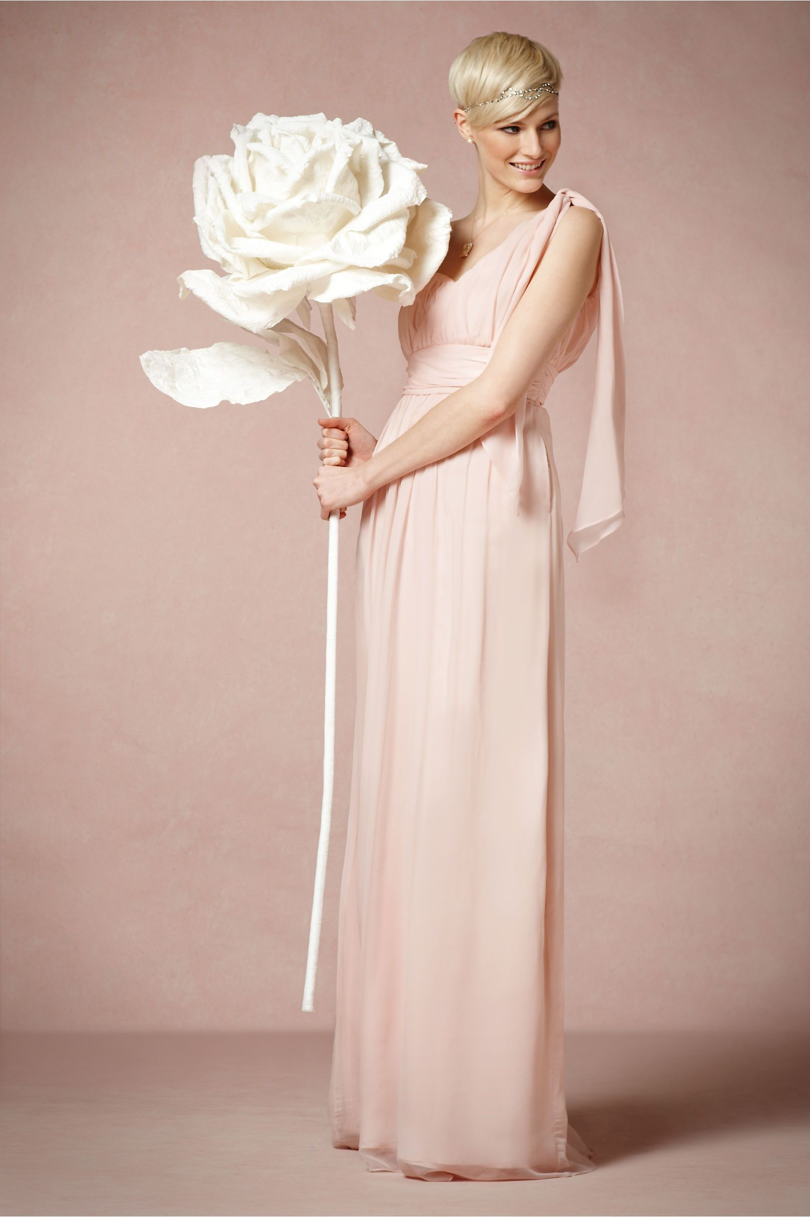 Larger-Than-Life Paper Rose in Sale Décor at BHLDN | FLORES GIGANTES ...