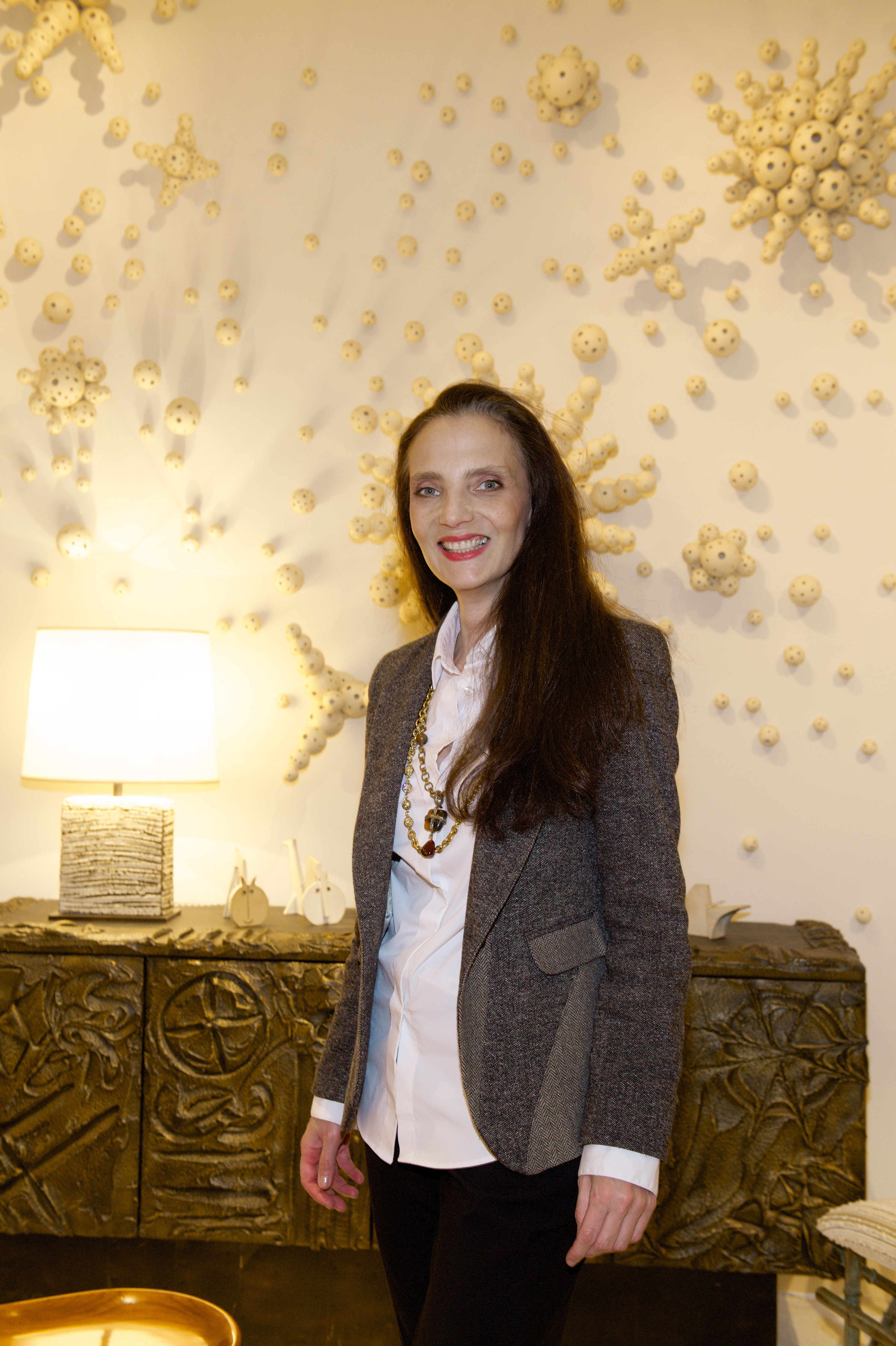 13f19f0c702 Madame Alexandra Di Andia présente au salon Art&Design PAD Paris ...