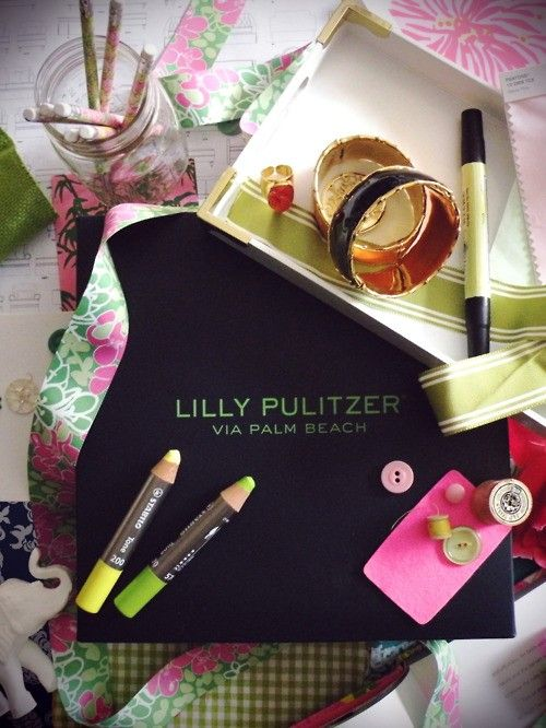 #lillyholiday