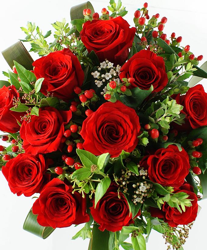 Ramo De 12 Rosas Rojas Arreglos Uruguay Ramos De Rosas Hermosas Flores Corporativos Ramo De Rosas Rojas