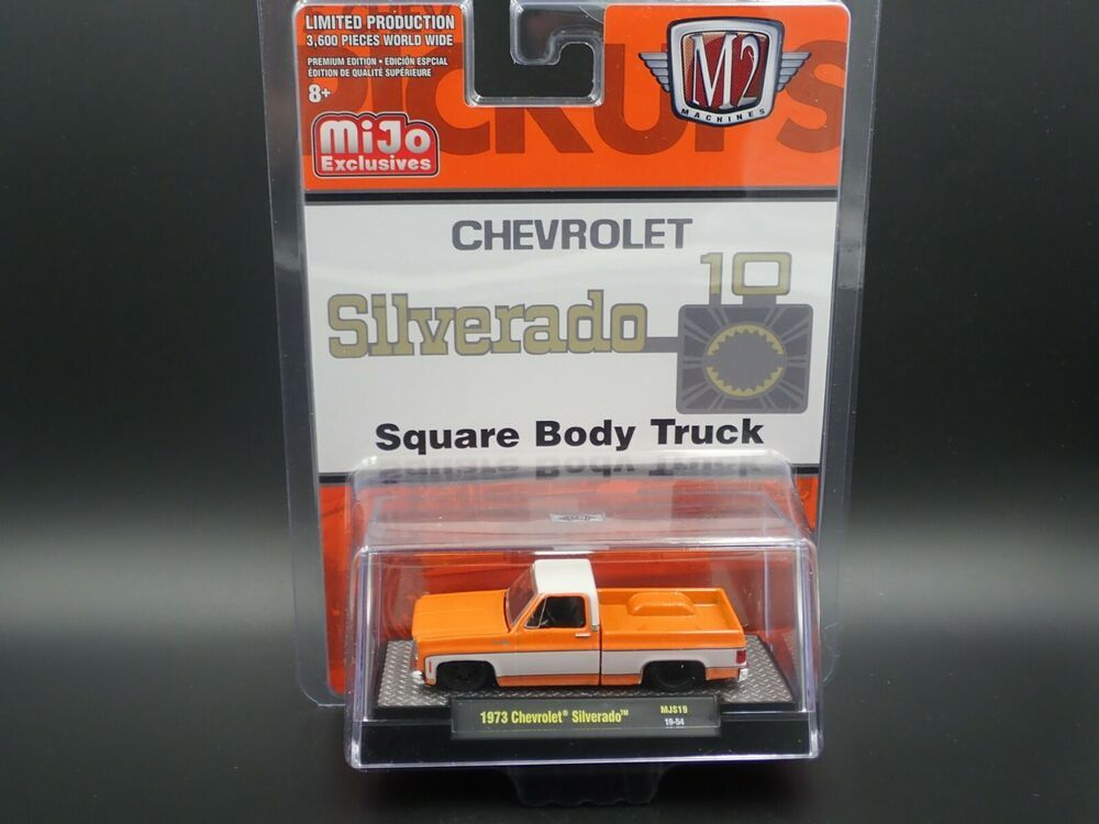 1974 CHEVY CHEVROLET SILVERADO SQUARE BODY TRUCK STEPSIDE 1//64 DIECAST MODEL CAR