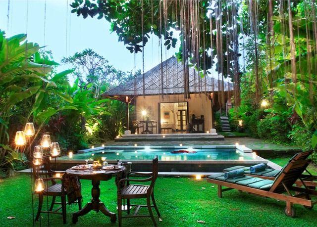 villa avec piscine privative au c ur de la for t balinaise avec petit d jeuner 60 minutes de. Black Bedroom Furniture Sets. Home Design Ideas