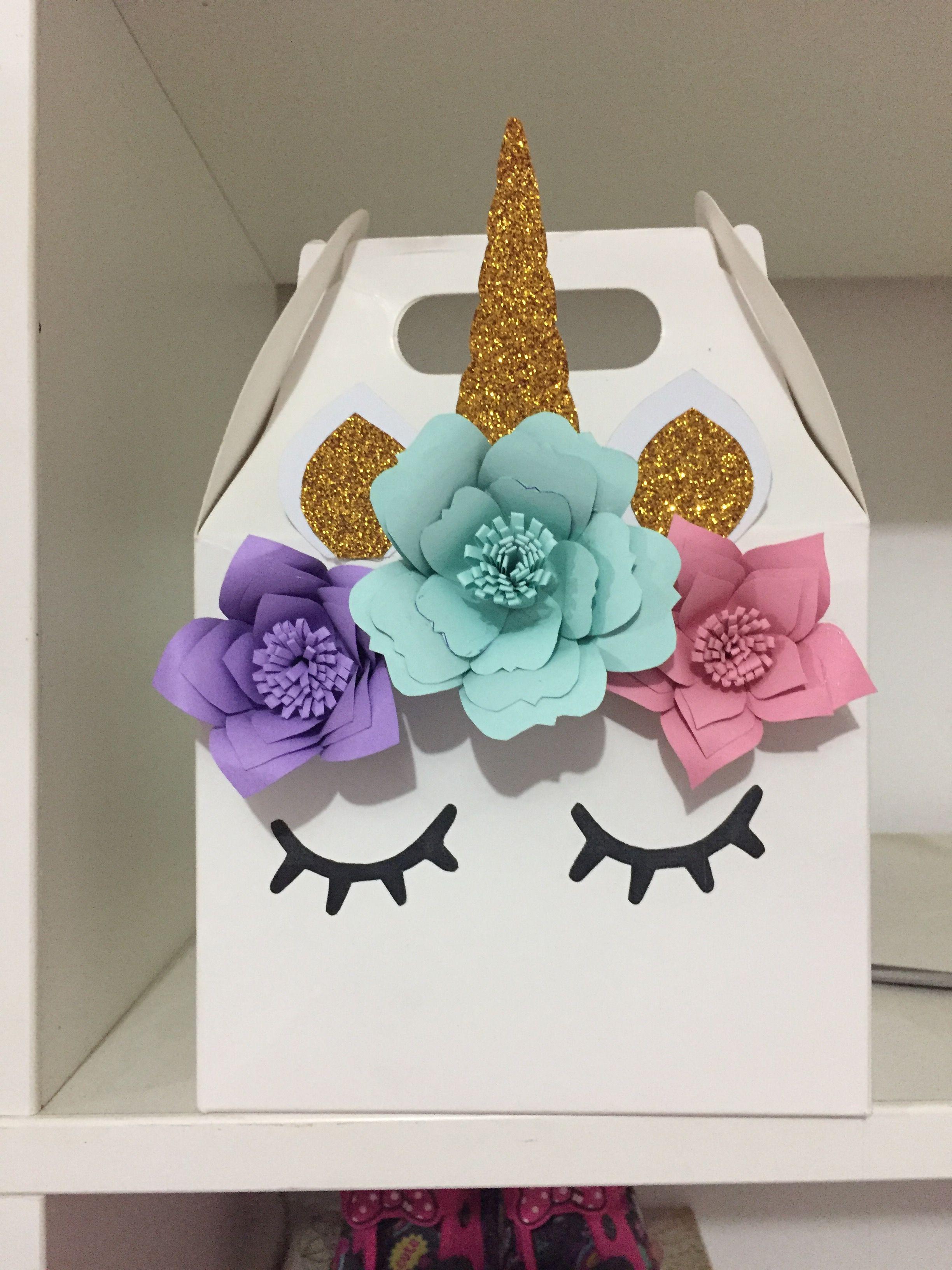 Unicorn favors Unicorn box Paper flowers  unicornio  Pinterest