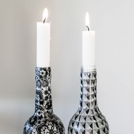 Upcycle glass bottles and make them into candle holders. Tutorial in English and Swedish.