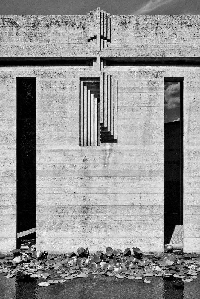 Carlo scarpa tomba brion carlo scarpa cemetery and italy - Carlo scarpa architecture and design ...