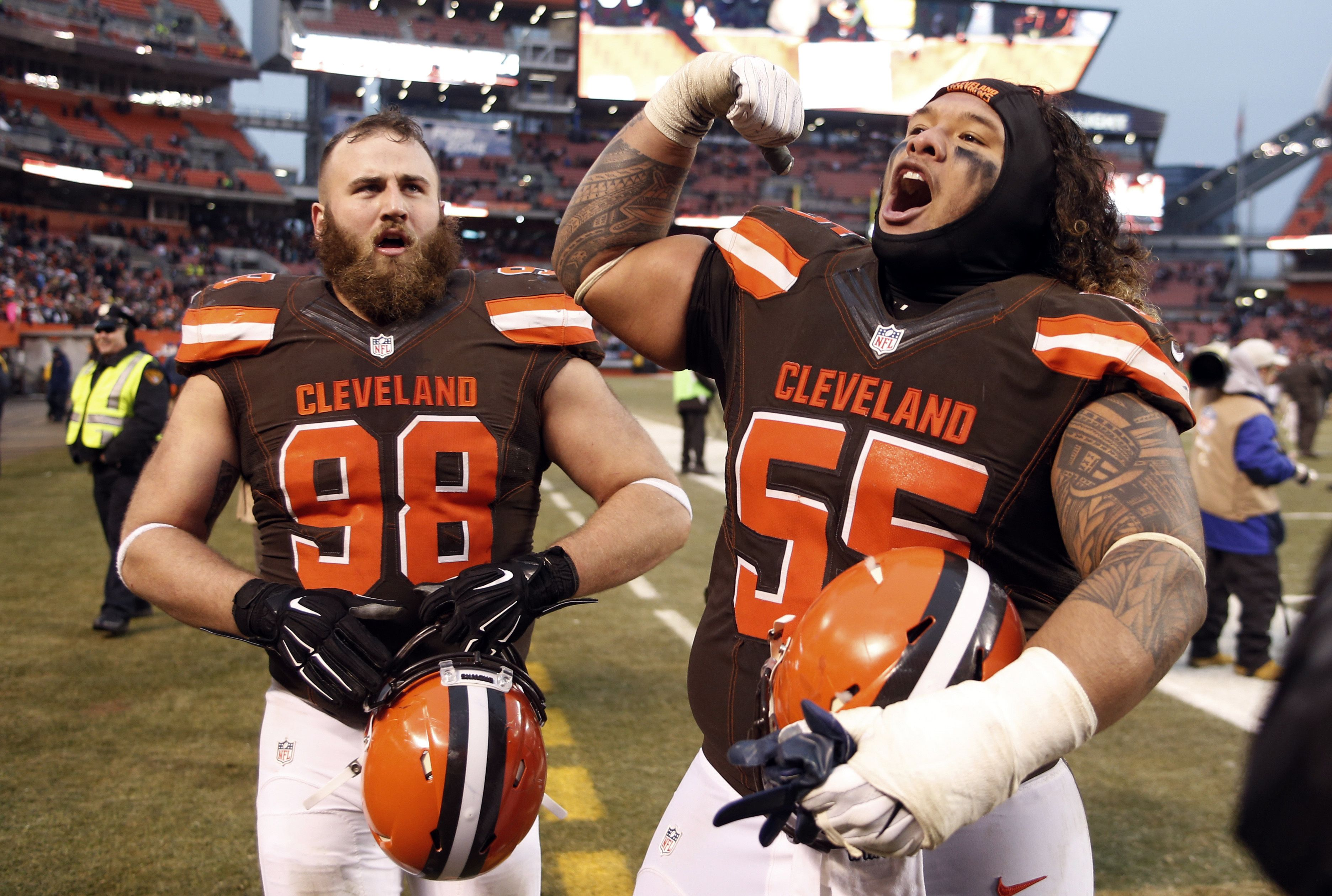 Your First Win Of The Season Appropriate Reaction By Danny Shelton 55 And Jamie Meder 98 Of The Cleveland Brow Football National Football League Cleveland