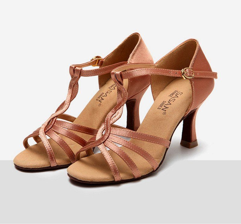 Encontrar Más Zapatillas de baile Información acerca de Nueva Latino Salón baile  Zapatos para la mujer 0e583b5d513
