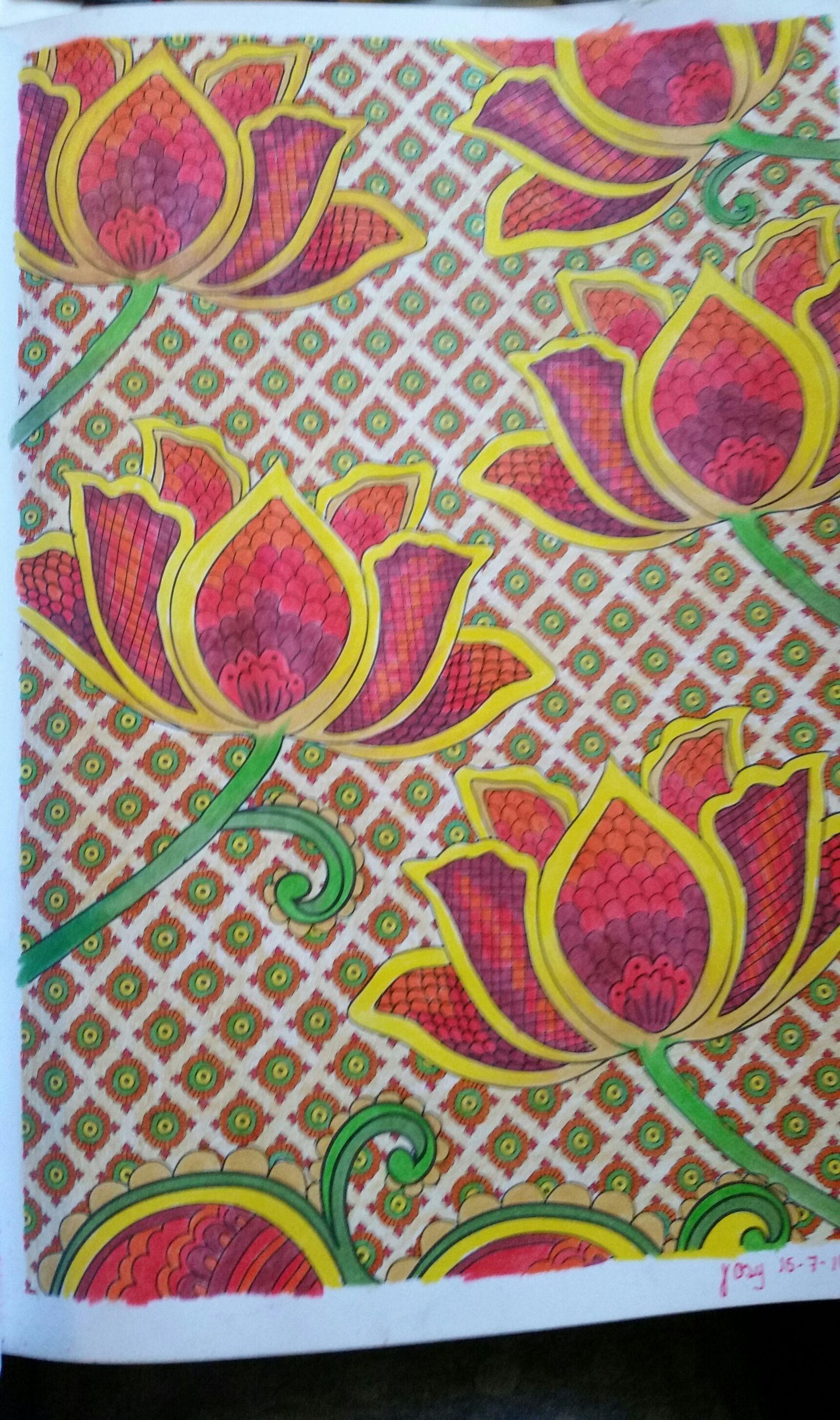 Du livre Art Thérapie 100 mandalas anti stress Hachette ArtTherapy Hachette Colouringartbooks
