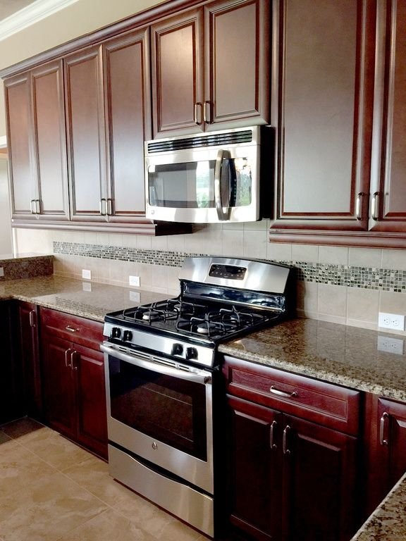 view this great traditional kitchen with raised panel stone tile in gainesville fl the home was built in 2015 and is 2769 square feet - Raised Panel Home 2015