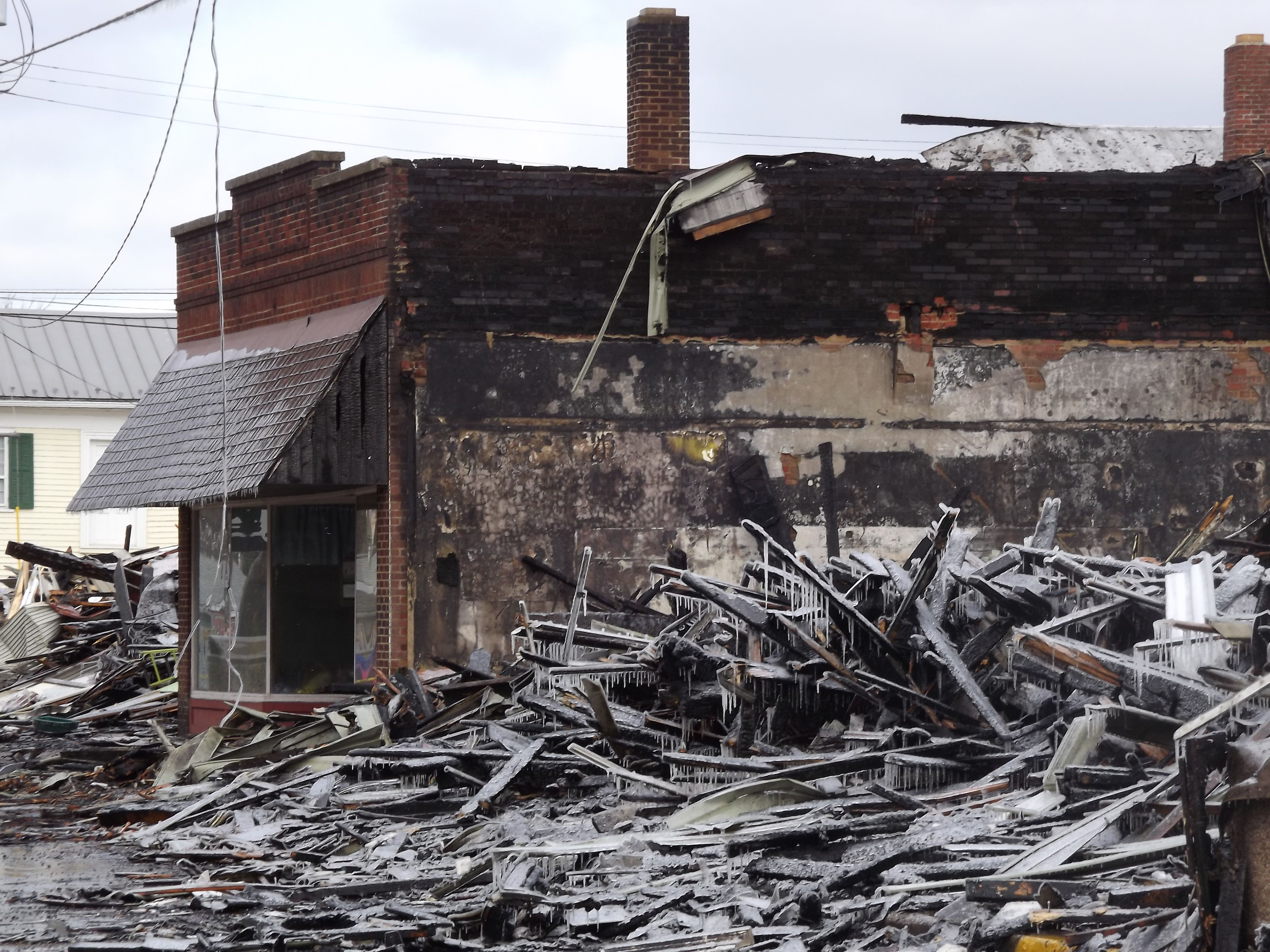 Day after Wreckage of Garrettsville, Oh fire 3/23/14 in ...