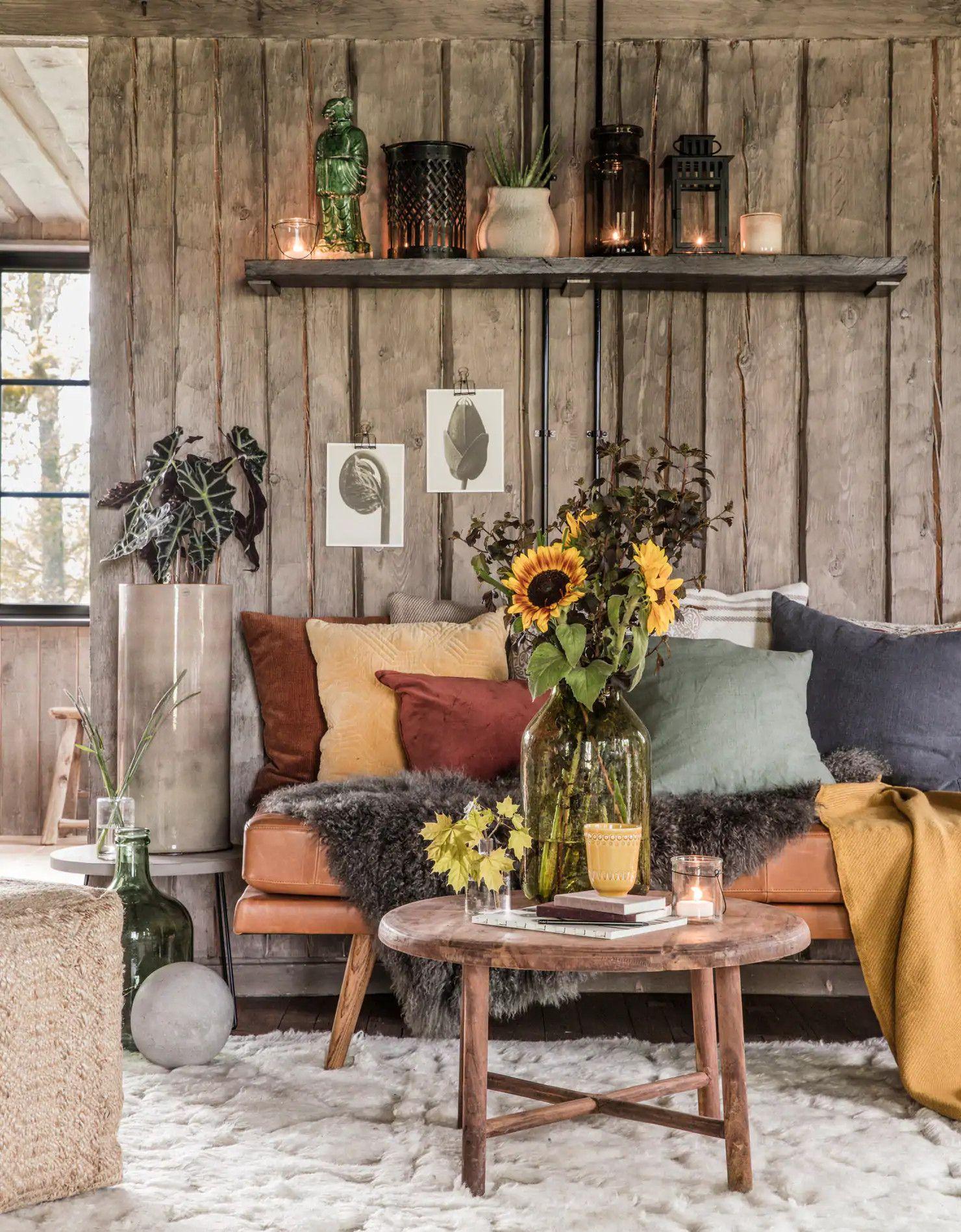 Une décoration aux couleurs de l'automne dans la vieille maison en ...