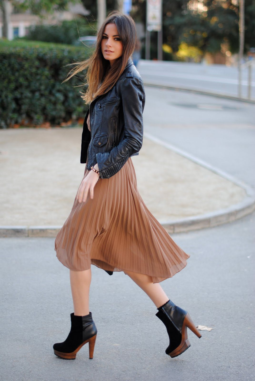 Fashion week How to long wear pleated chiffon skirt for woman