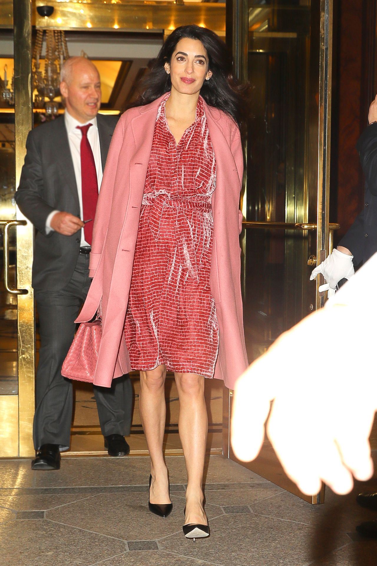 Amal Clooney totally stuns in pink ensemble: See her chic pregnancy ...