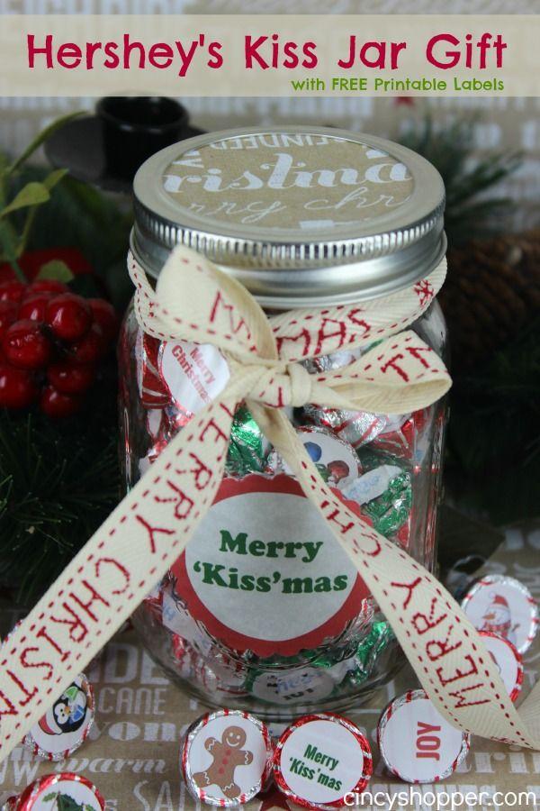 Hershey S Kiss Jar Gift With Free Printable Labels Cincyshopper Mason Jar Christmas Gifts Jar Gifts Labels Printables Free