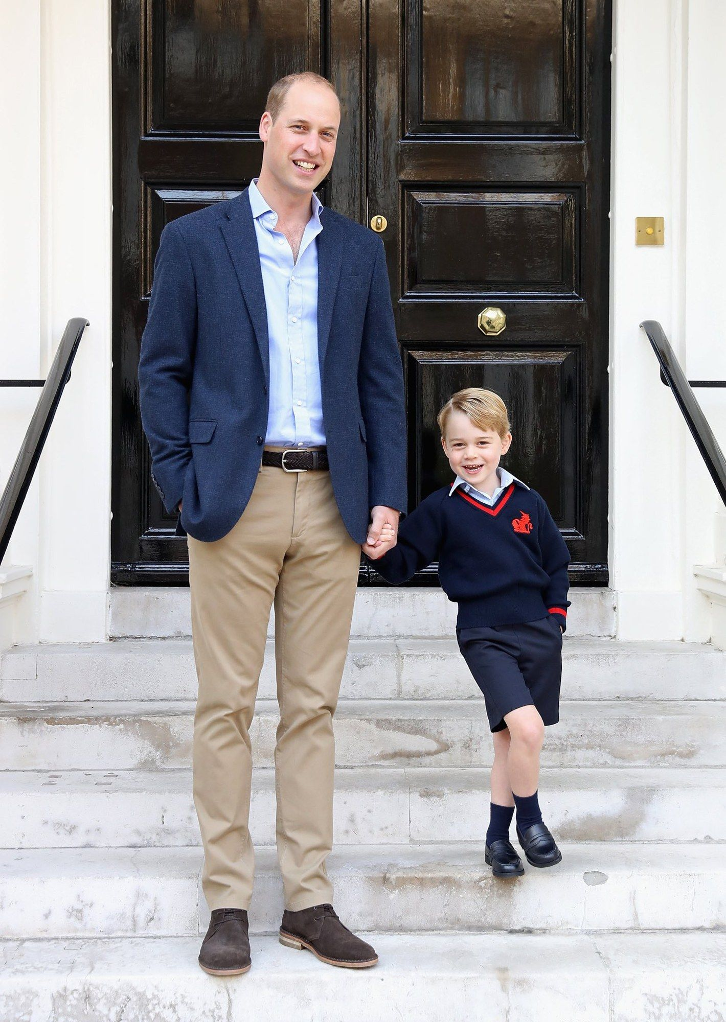 Prince George Poses For An Official And Cheerful First Day Of School Picture With Prince William With Images Prince William And Kate Prince George Royal Family Portrait