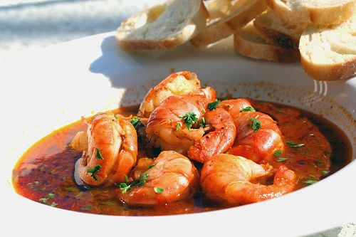 Killer Shrimp recipe. Spicy broth you have to soak up with bread after eating the delicious shrimp.