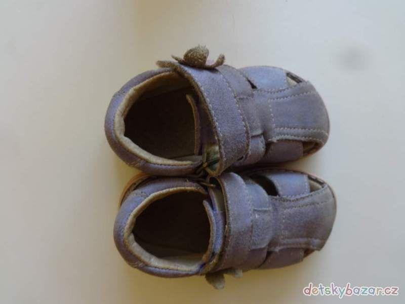 b81c0bf778a3 fialové dětské sandálky vel. č. 21 - Dětský bazar.cz