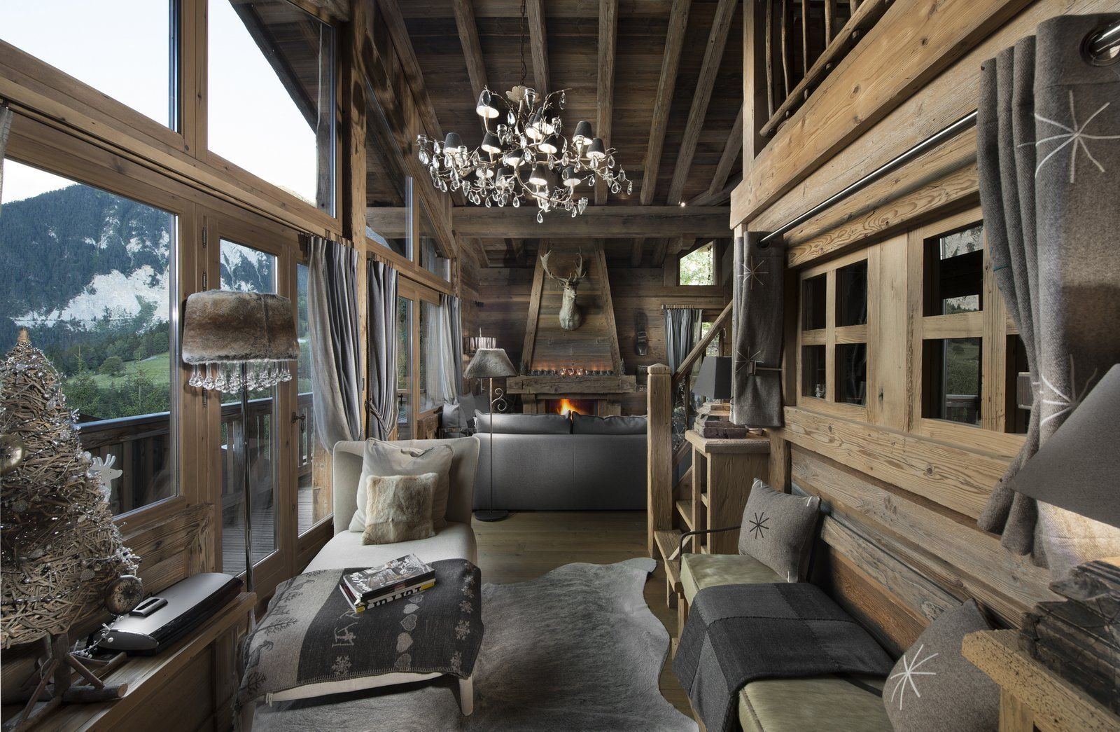 int rieur de chalet courchevel boiseries vieux bois. Black Bedroom Furniture Sets. Home Design Ideas