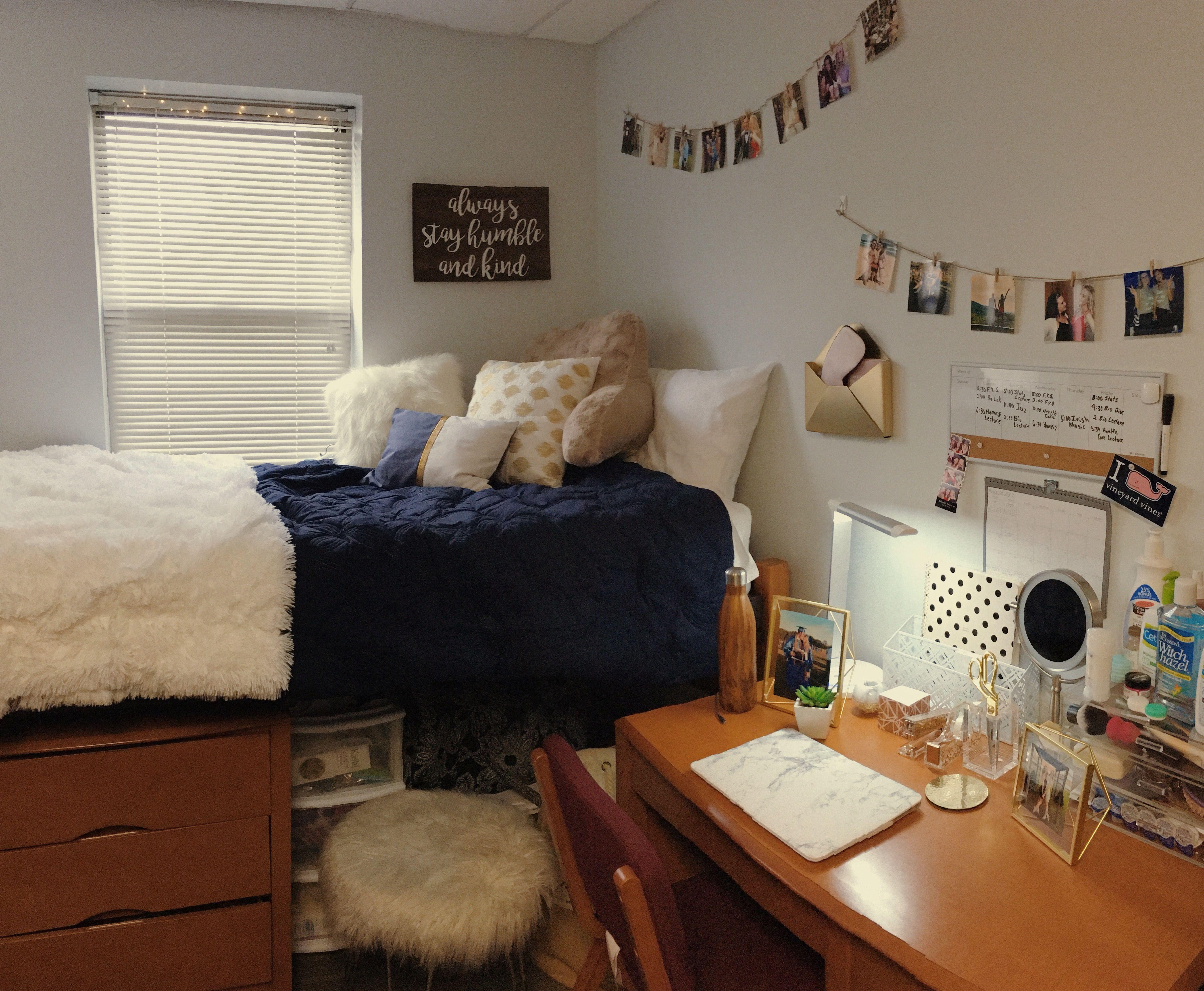 college-dorm-room-clip