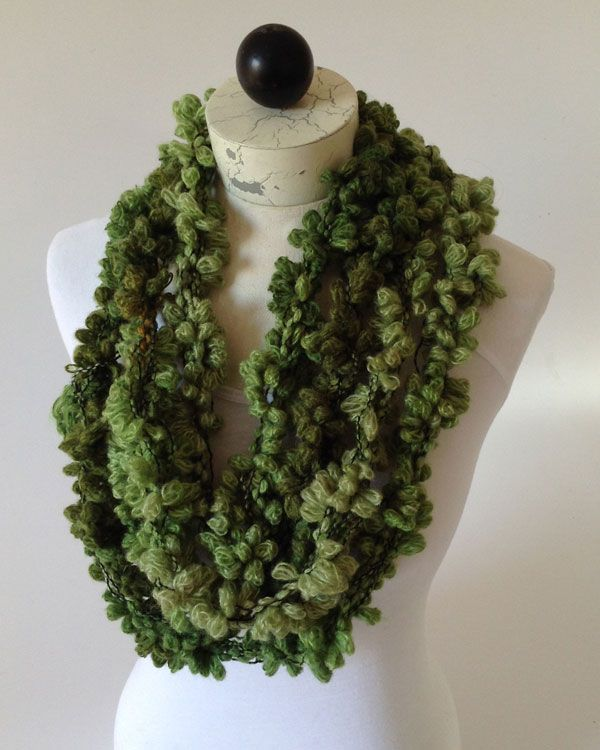 Free pattern: Starbella Flowers Hand-chained scarf : Maggie\'s ...
