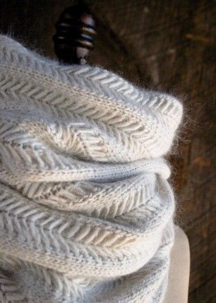 Jasmine Scarf | The Purl Bee-- free pattern, lt worsted wt