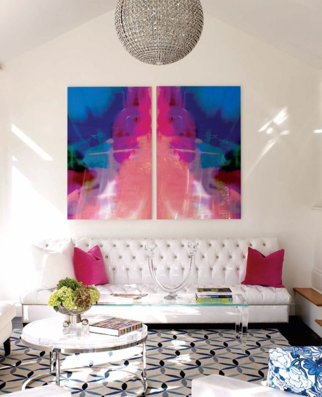 white-modern-chic-living-room-blue-pink-art.jpg (640×790) | Art in ...