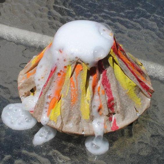Cómo hacer un volcán en casa