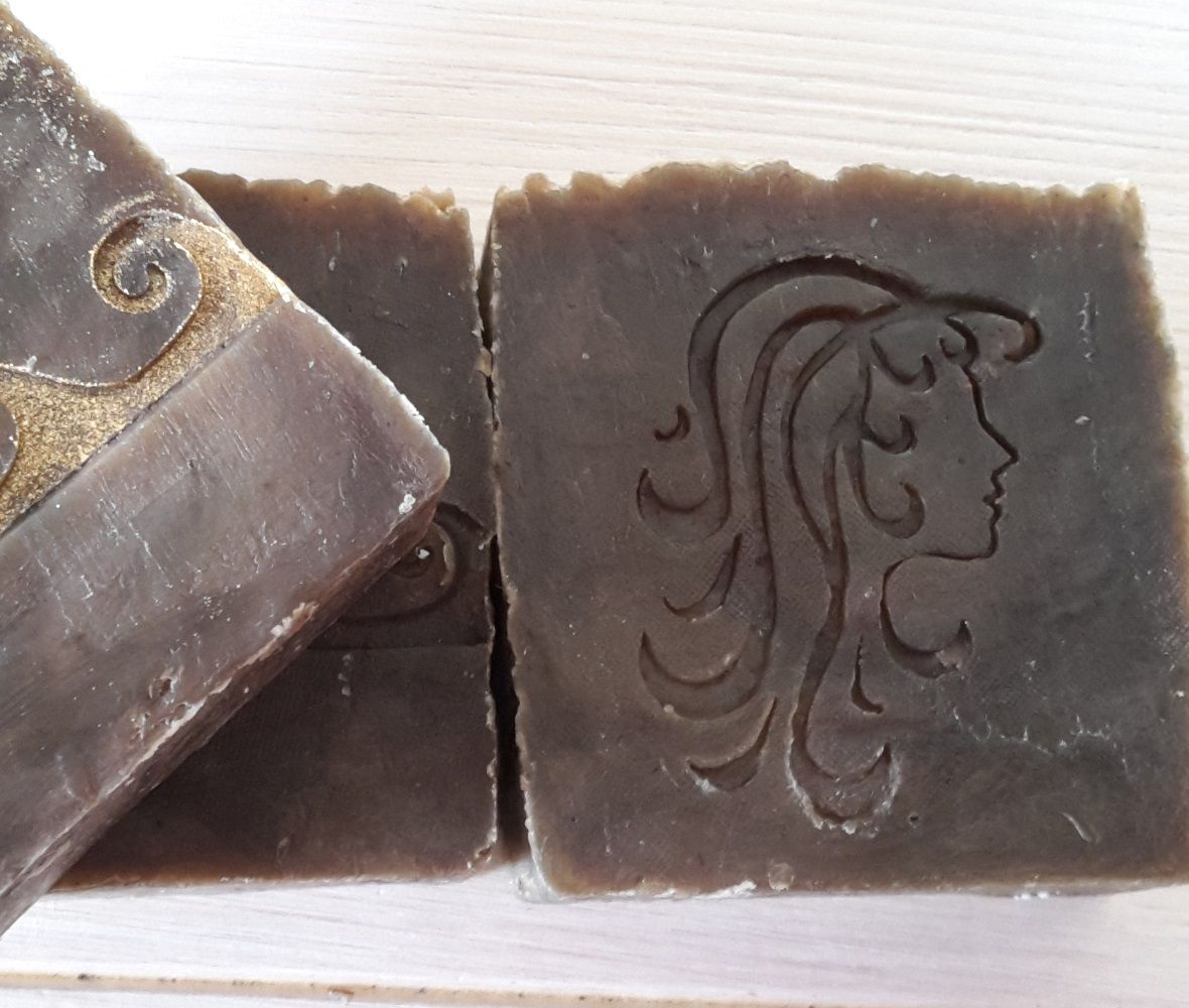 Zarah Zopf - Haarseife mit Henna, Mandelöl, Fruchtkernöl, Rosmarinöl, Orangenöl mit unübertroffenen tollen Schaum