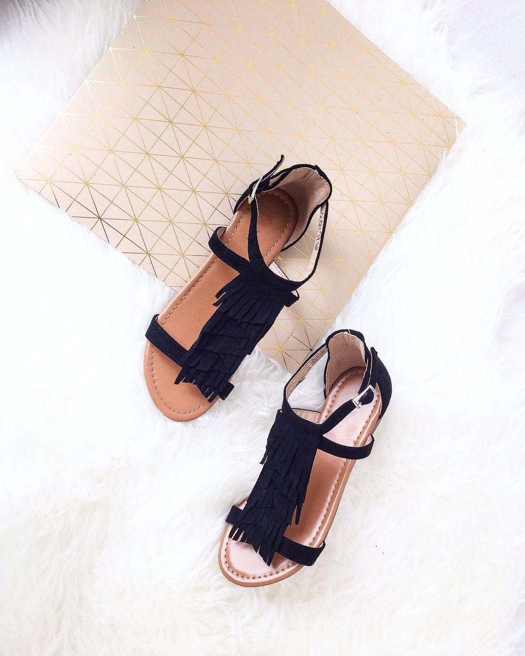 Buzzao - Chaussure femme   wanted   Pinterest   Sandals, Flat ... 560dcd4ffaa