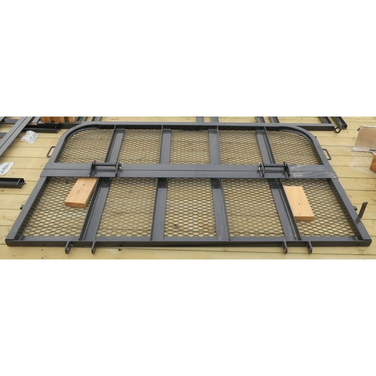 Gate Bi Fold 83 Quot U8 Reg Side Black In 2019 Trailer Ramps