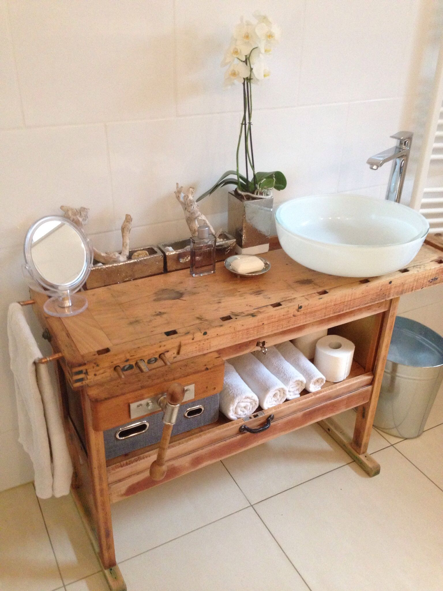 Waschtisch Aus Einer Hobelbank Kleine Kuchenspule Badezimmer Zimmer Kuche