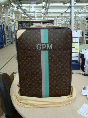 294b296fb949 Louis Vuitton custom monogram luggage (this is Gwyneth Paltrow s ...