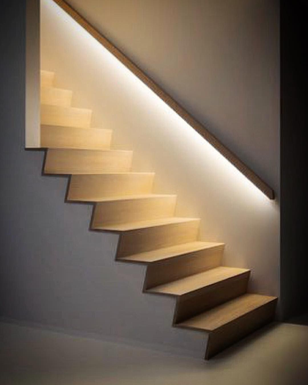 Lighting On Stairs: Portaiden Valaistus