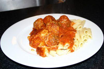 Carsten's Opskrifter: Meatballs med tomatsauce og pasta