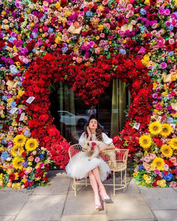 Ya Viene El Festival De Flores Y Jardines Para Adornar Polanco En 2020 Decoraciones De Fiesta Elegante Decoracion De Stand Decorado De Salones
