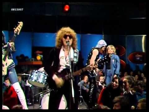 Mott The Hoople Roll Away The Stone 1974 Hd 0815007 Youtube Mott The Hoople Hoople All The Young Dudes