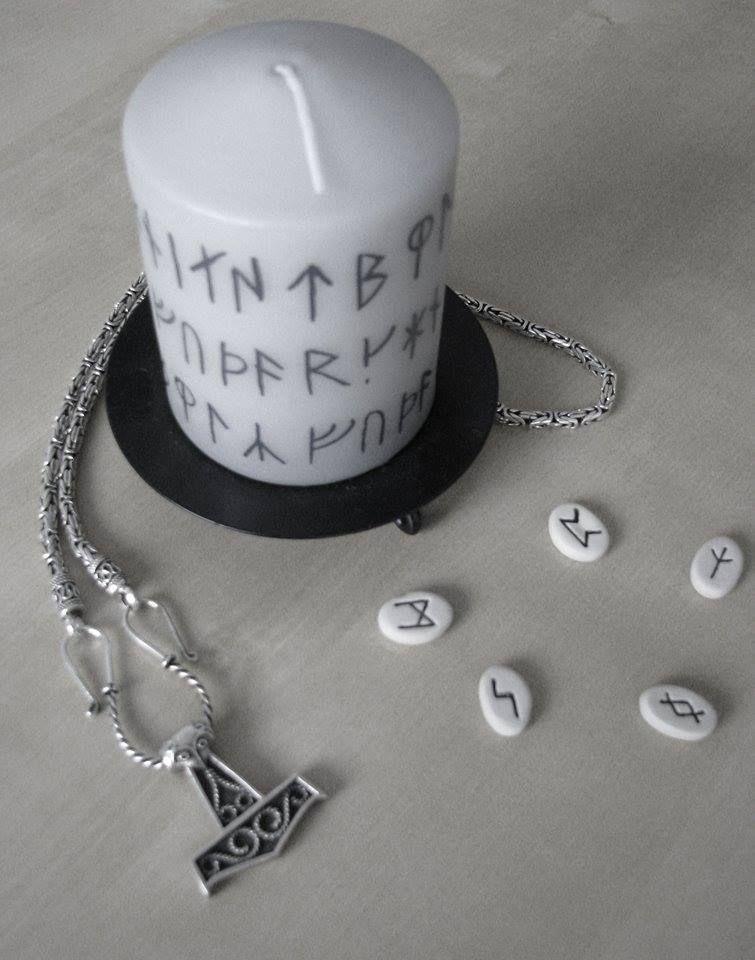 Candle - Runes - Mjölnir