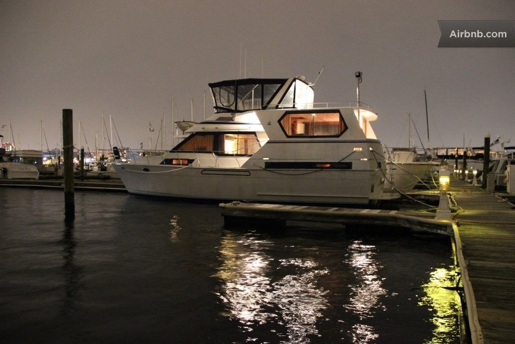 Luxury Motoryacht in Baltimore in Baltimore